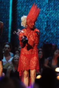 2009-VMAS-MTV-SPIKY-TAMPON-GAGA